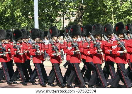 LONDON - JUNE 17: Queen's Soldiers at Queen's Birthday Parade on June 17, 2006 in London, England. Queen's Birthday Parade take place to Celebrate Queen's Official Birthday in every June in London.