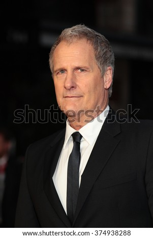 LONDON - OCT 18, 2015: Jeff Daniels attends the Steve Jobs premiere and closing night gala, 59th BFI London Film Festival at the Odeon Leicester Square on Oct 18, 2015 in London