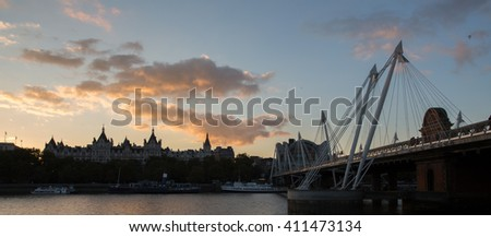 London river, bridges and city
