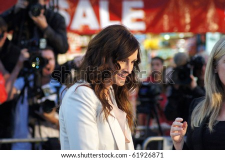 LONDON - SEPT 22: Julia Roberts At Eat Prey Love Premiere September 22, 2010 in Leicester Square London, England. - stock photo