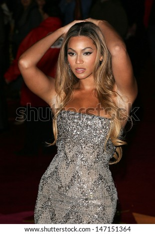 London, UK. Beyonce Knowles at the UK Premiere of 'Dreamgirls'. On, 21 January 2006, Dave Norton/Landmark Media - stock photo