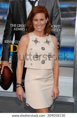 LOS ANGELES - APR 7:  Elisa Donovan arrives at the DRAFT DAY LOS ANGELES PREMIERE   on April 7, 2014 in Westwood, CA                 - stock photo