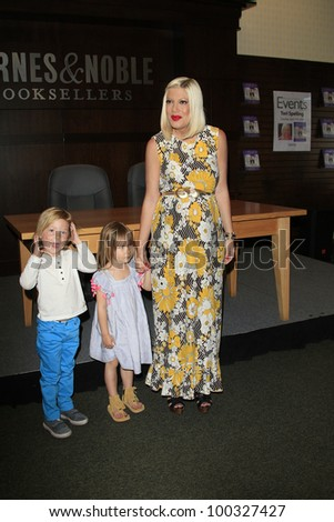 LOS ANGELES - APR 17: Tori Spelling, daughter Stella, son Liam at a signing for her book 'celebraTORI' at Barnes & Noble at The Grove on April 17, 2012 in Los Angeles, California