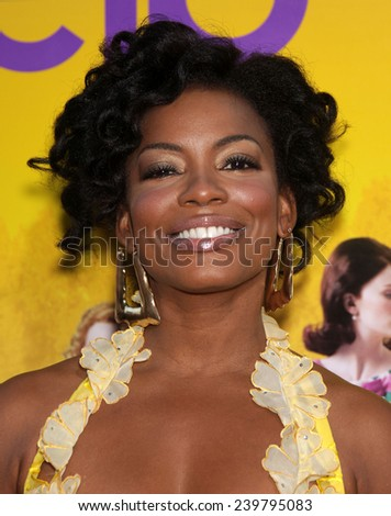 "LOS ANGELES - AUG 09:  AUNJANUE ELLIS arrives to the ""The Help"" World Premiere  on August 09, 2011 in Beverly Hills, CA"