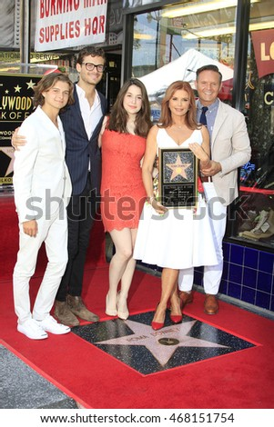 LOS ANGELES - AUG 11: Cameron Burnett, James Burnett, Reilly Anspaugh, Roma Downey, Mark Burnett as Roma Downey is honored with a star on the Walk of Fame on August 11, 2016 in Los Angeles, CA