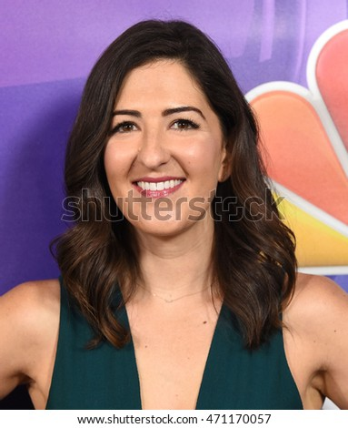LOS ANGELES - AUG 02:  D'arcy Carden arrives to the NBC Universal TCA Summer Press Tour 2016 on August 02, 2016 in Beverly Hills, CA