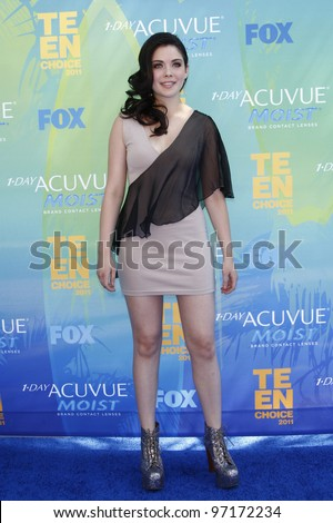 LOS ANGELES - AUG 7: Grace Phipps arrives at the 2011 Teen Choice Awards held at Gibson Amphitheatre on August 7, 2011 in Los Angeles, California