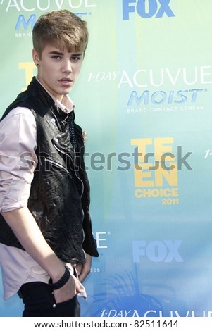 LOS ANGELES - AUG 7: Justin Bieber arrives at the 2011 Teen Choice Awards held at Gibson Amphitheatre on August 7, 2011 in Los Angeles, California - stock photo