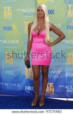 LOS ANGELES - AUG 7: Maryse Ouellet arrives at the 2011 Teen Choice Awards held at Gibson Amphitheatre on August 7, 2011 in Los Angeles, California