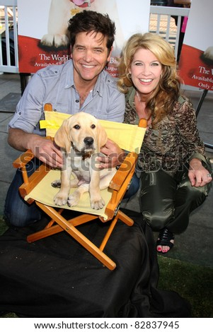 "LOS ANGELES - AUG 13:  Michael Damian and wife Janeen Damian at the ""Marly & Me: The Puppy Years"" Fair & Screening at The Grove on August 13, 2011 in Los Angeles, CA"