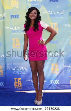 LOS ANGELES - AUG 7: Tiffany Hines arrives at the 2011 Teen Choice Awards held at Gibson Amphitheatre on August 7, 2011 in Los Angeles, California