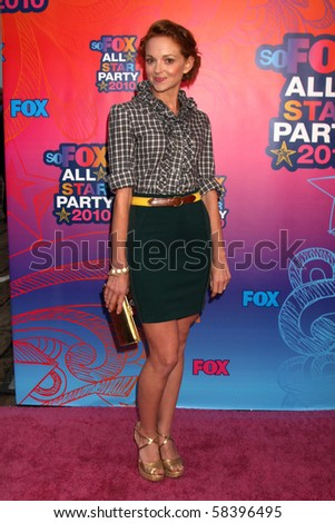 LOS ANGELES - AUGUST 2:  Jayma Mays  arrives at the 2010 FOX Summer Press Tour Party at Pacific Park on the Santa Monica Pier on August 2, 2010 in Santa Monica, CA