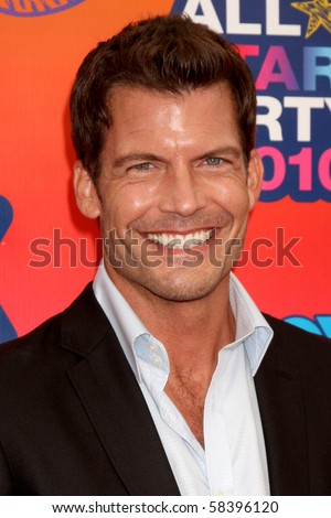 LOS ANGELES - AUGUST 2:  Mark Deklin  arrives at the 2010 FOX Summer Press Tour Party at Pacific Park on the Santa Monica Pier on August 2, 2010 in Santa Monica, CA