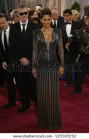 LOS ANGELES, CA - FEB 24: Halle Berry at the 85th Annual Academy Awards on February 24, 2013 in Los Angeles, California - stock photo