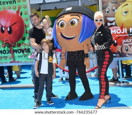 Christina Aguilera Family