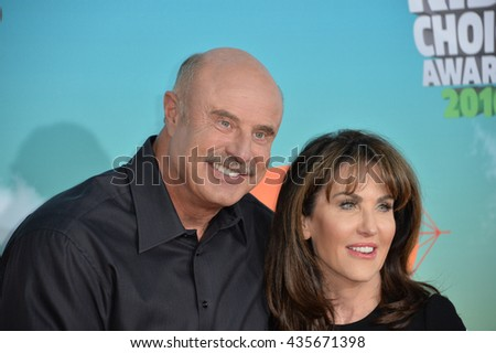 LOS ANGELES, CA - MARCH 12, 2016: Dr. Phil McGraw & wife Robin McGraw at the 2016 Kids' Choice Awards at The Forum, Los Angeles.