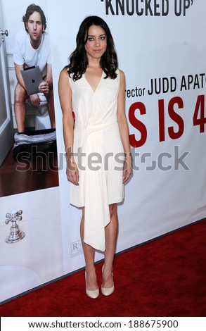 "LOS ANGELES - DEC 12:  Aubrey Plaza arrives to the ""This Is 40"" World Premiere  on December 12, 2012 in Hollywood, CA"