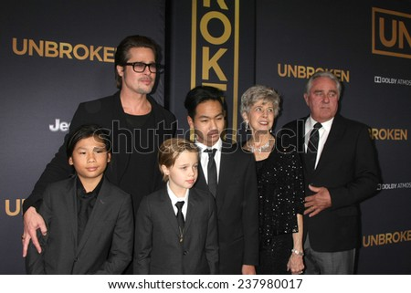 "LOS ANGELES - DEC 15:  Brad Pitt, Pax, Shiloh, Maddox Jolie-Pitt, Jane Pitt, and William Pitt at the ""Unbroken"" - Los Angeles Premiere at the Dolby Theater on December 15, 2014 in Los Angeles, CA"