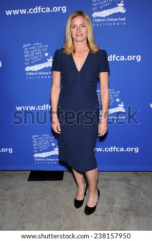 LOS ANGELES - DEC 04:  Elisabeth Shue arrives to the 2014 Beat The Odds on December 04, 2014 in Culver City, CA