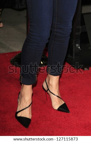 LOS ANGELES - FEB 4: Lori Loughlin at the Premiere Of Universal Pictures' 'Identity Theft' on February 4, 2013 in Los Angeles, California