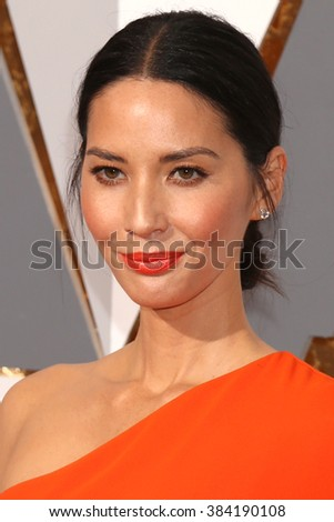 LOS ANGELES - FEB 28:  Olivia Munn at the 88th Annual Academy Awards - Arrivals at the Dolby Theater on February 28, 2016 in Los Angeles, CA