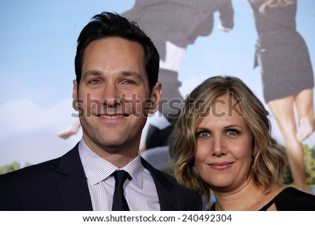 "LOS ANGELES - FEB 16:  PAUL RUDD & WIFE arrives to the ""'Wanderlust' World Premiere  on February 16, 2012 in Westwood, CA"