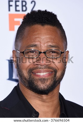 LOS ANGELES - JAN 27 - Cuba Gooding Jr. arrives at The People v. O.J. Simpson American Crime Story Premiere on January 27, 2016 in Westwood, CA