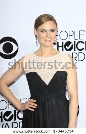LOS ANGELES - JAN 8:  Emily Deschanel at the People's Choice Awards 2014 Arrivals at Nokia Theater at LA LIve on January 8, 2014 in Los Angeles, CA