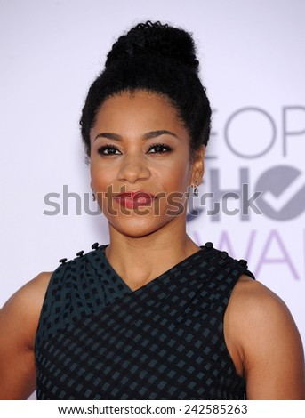 LOS ANGELES - JAN 07:  Kelly McCreary arrives to the People's Choice Awards 2014  on January 7, 2015 in Los Angeles, CA