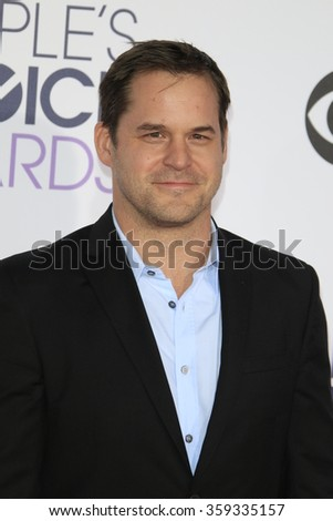 LOS ANGELES - JAN 6:  Kyle Bornheimer at the Peoples Choice Awards 2016 - Arrivals at the Microsoft Theatre L.A. Live on January 6, 2016 in Los Angeles, CA