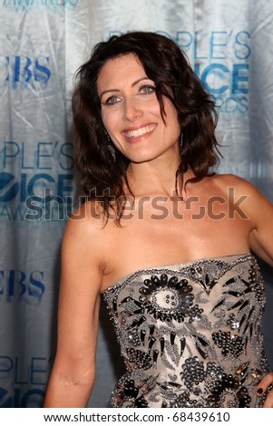 LOS ANGELES - JAN 5:  Lisa Edelstein arrives at 2011 People's Choice Awards at Nokia Theater at LA Live on January 5, 2011 in Los Angeles, CA