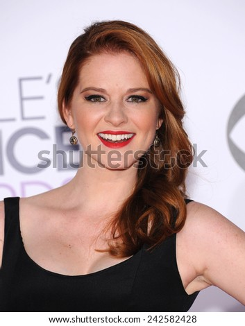 LOS ANGELES - JAN 07:  Sarah Drew arrives to the People's Choice Awards 2014  on January 7, 2015 in Los Angeles, CA