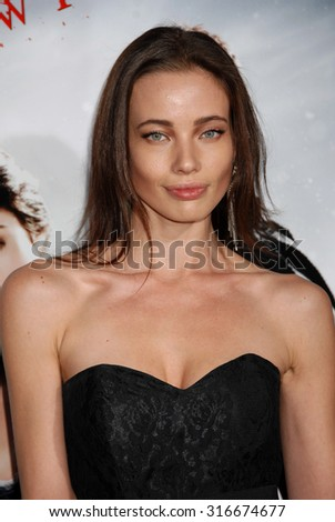 LOS ANGELES - JAN 24 - Stephanie Corneliussen arrives at the Hansel and Gretel Witch Hunters Los Angeles Premiere on January 24, 2013 in Hollywood, CA