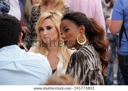"LOS ANGELES - JUL 11:  Demi Lovato, Kelly Rowland at the ""X-Factor"" Season 3 Photo Call at the Galen Center on July 11, 2013 in Los Angeles, CA"