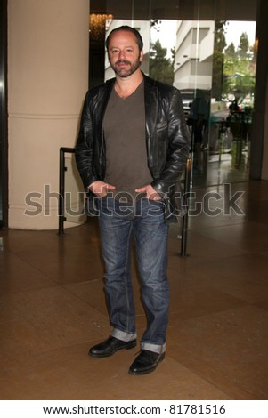 LOS ANGELES - JUL 27:  Gil Bellows arriving at the 2011 TCA Summer Press Tour - Hallmark Channel at Beverly Hilton Hotel on July 27, 2011 in Beverly Hills, CA