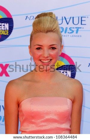 LOS ANGELES - JUL 22:  Peyton List arriving at the 2012 Teen Choice Awards at Gibson Ampitheatre on July 22, 2012 in Los Angeles, CA
