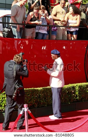 LOS ANGELES - JUL 15: Samuel L Jackson signs autographs at the 2009 ESPY Awards held at the Nokia Theater in Los Angeles, California on July 15, 2009 - stock photo
