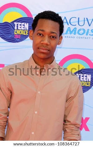 LOS ANGELES - JUL 22:  Tyler James Williams arriving at the 2012 Teen Choice Awards at Gibson Ampitheatre on July 22, 2012 in Los Angeles, CA