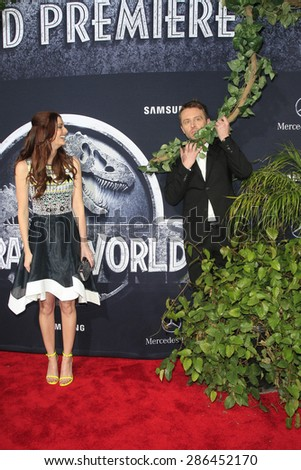 "LOS ANGELES - JUN 9:  Chris Hardwick, Lydia Hearst at the ""Jurassic World"" World Premiere at the Dolby Theater, Hollywood & Highland on June 9, 2015 in Los Angeles, CA