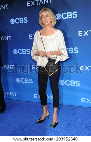 LOS ANGELES - JUN 06:  Jeannetta Arnette arrives to the 'Extant' Premiere Party  on June 06, 2014 in Los Angeles, CA