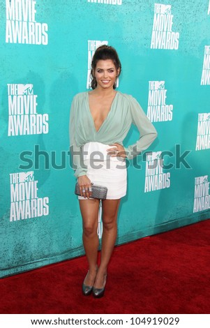 LOS ANGELES - JUN 3:  Jenna Dewan-Tatum arriving at the 2012 MTV Movie Awards at Gibson Ampitheater on June 3, 2012 in Los Angeles, CA