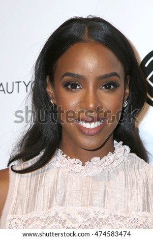 LOS ANGELES - JUN 9:  Kelly Rowland at the 4th Annual Beautycon Festival at the Los Angeles Convention Center on June 9, 2016 in Los Angeles, CA