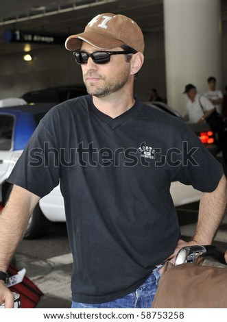 LOS ANGELES - JUNE 4: Actor Jason Priestley is seen at LAX. June 4th in Los Angeles, California.