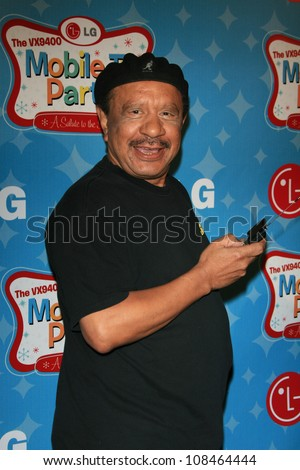 LOS ANGELES - JUNE 19: Actor Sherman Hemsley arrives at the LG's Mobile TV Party held at Paramount Studios on June 19, 2007 in Los Angeles, California - stock photo
