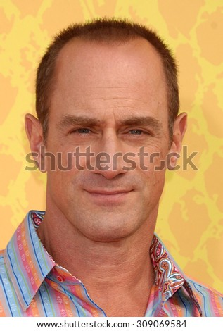 LOS ANGELES - MAR 29:  Chris Meloni arrives at the 2014 NICKELODEON KIDS CHOICE AWARDS  on March 29, 2014 in Los Angeles, CA