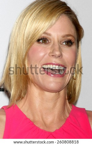 "LOS ANGELES - MAR 14:  Julie Bowen at the PaleyFEST LA 2015 - ""Modern Family"" at the Dolby Theater on March 14, 2015 in Los Angeles, CA"