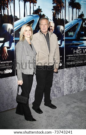 LOS ANGELES - MAR 22:  Lee Majors, wife arrive at the Los Angeles HBO Premiere of 'His Way' at Paramount Studios in Los Angeles, California on March 22, 2011.