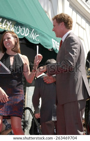 LOS ANGELES - MAR 24:  Molly Shannon, Will Ferrell at the Will Farrell Hollywood Walk of Fame Star Ceremony at the Hollywood Boulevard on March 24, 2015 in Los Angeles, CA