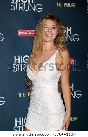 LOS ANGELES - MAR 29:  Sofi Tyler at the High Strung Premeire at the TCL Chinese 6 Theaters on March 29, 2016 in Los Angeles, CA