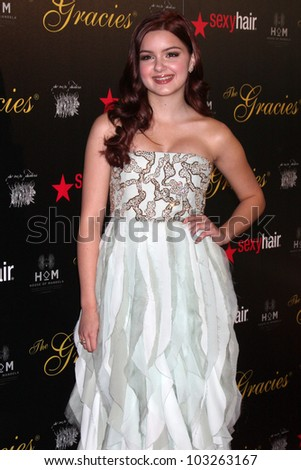 LOS ANGELES - MAY 22:  Ariel Winter arrives at the 37th Annual Gracie Awards Gala at Beverly Hilton Hotel on May 22, 2012 in Beverly Hllls, CA